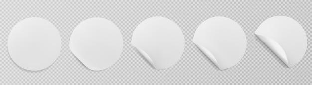 Набор векторных белой бумаги наклейки круглой формы с изогнутыми углами изолированы.