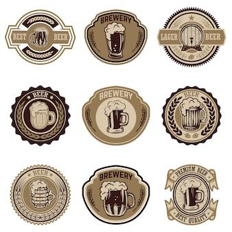 ビンテージビールラベルのセット。ロゴ、ラベル、エンブレム、記号、メニューの要素。図