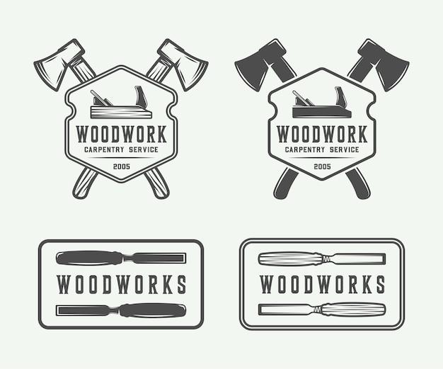 Набор старинных столярных изделий из дерева и механика наклеивает значки, эмблемы и логотип