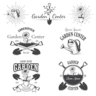 Набор старинных эмблем садового центра, этикеток, значков, логотипов и элементов дизайна. монохромный стиль