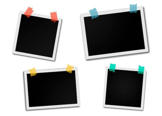 粘着テープ付きのビンテージフォトフレームのセットです。粘着テープ付きの写実的なモックアップ。あなたの写真のためのレトロなフォトフレームテンプレート。フォトフレームのモックアップデザイン。