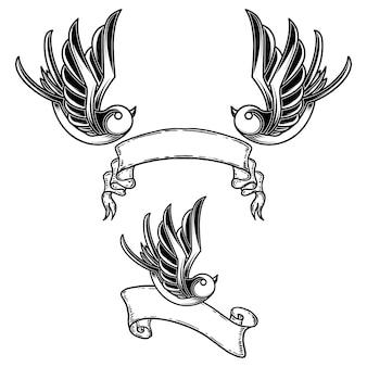 ツバメの鳥とリボンの背景を持つビンテージ スタイルのタトゥーのセット。