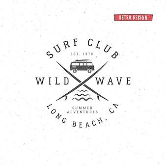 Набор старинных серфинг графики и эмблемы для веб-дизайна или печати. серфер, дизайн логотипа в пляжном стиле. значок серфинга. печать доски для серфинга, элементы, символы. летний интернат на волнах. битник знаки отличия.