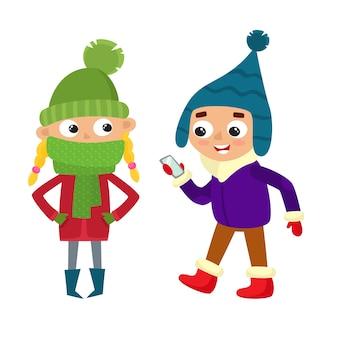 冬の服を着て歩く若い10代のセット。モバイル、立っている女の子を持つ少年。漫画のスタイルの流行に敏感な子供。