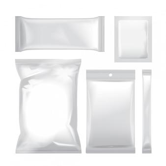 食品、スナック、コーヒー、ココア、お菓子、クラッカー、チップ、ナッツ、砂糖の白い空白の箔袋包装のセットです。ビニールパック