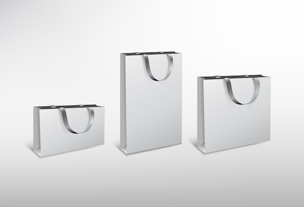 Набор белой бумаги разных размеров сумки с шелковой веревкой. иллюстрация высокого разрешения. на белом фоне