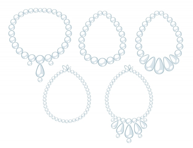 Набор ожерелий из белого жемчуга.