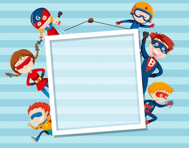 Set og superhero on frame