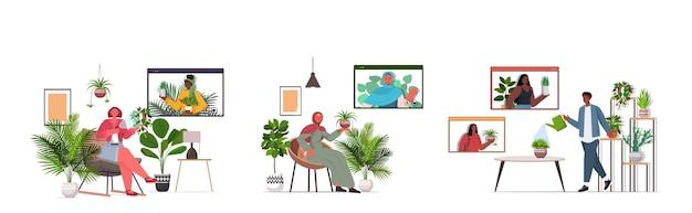 Набор людей, ухаживающих за комнатными растениями, устраивающих виртуальную встречу с друзьями по смешанной гонке во время видеозвонка, интерьер гостиной, горизонтальный