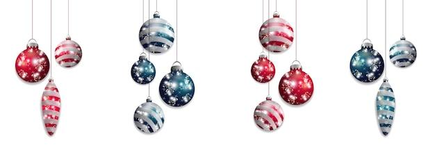 Установите красные и синие подвесные рождественские шары. изолированные декоративные элементы