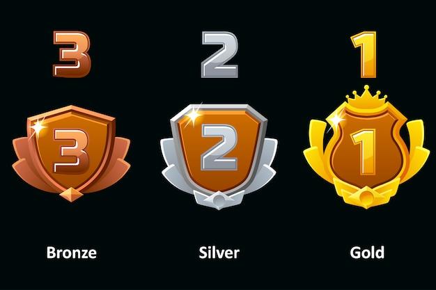 실버, 골드 및 브론즈 방패를 설정합니다. 수상 업적 아이콘. 로고, 라벨, 게임 및 앱 요소.