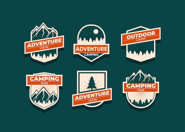 山のロゴとバッジを設定します。あなたのビジネスのための用途の広いロゴ。暗闇のイラスト