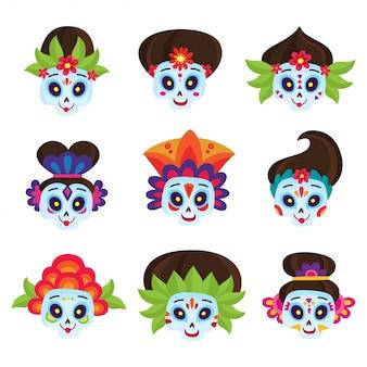 メキシコの死者の日のための白、砂糖の頭蓋骨に分離された死者の日のカラフルな頭蓋骨を設定します。かわいい頭蓋骨と漫画のスタイルの花。