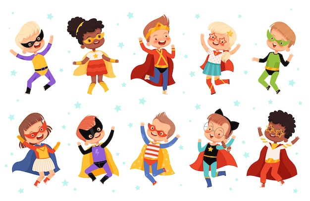 귀여운 아이 슈퍼 히어로로 설정합니다. 슈퍼 히어로 의상을 입은 즐거운 사람들은 점프하고 웃습니다.