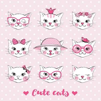 手描きのかわいい猫の顔がセットになっています。あなたのデザインのために動物の頭を落書きしてください。