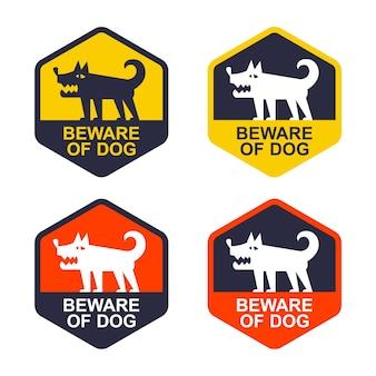 개를 조심하는 노란색 스티커를 설정하세요. 보호 지역. 평면 벡터 일러스트 레이 션