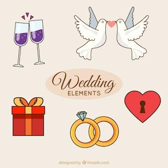 Несколько декоративных свадебных элементов