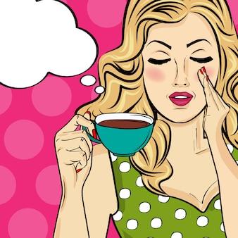 コーヒーカップを持つセクシーなブロンドのポップアートの女性。漫画の広告ポスター。ベクター