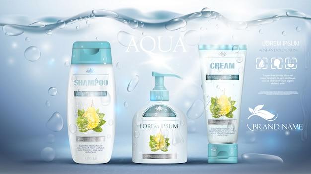 シャンプーのパッケージ、クリームチューブ、石鹸のボトルの現実的な水中の青いテンプレートの広告。ボディケア商品のプロモーション。図。