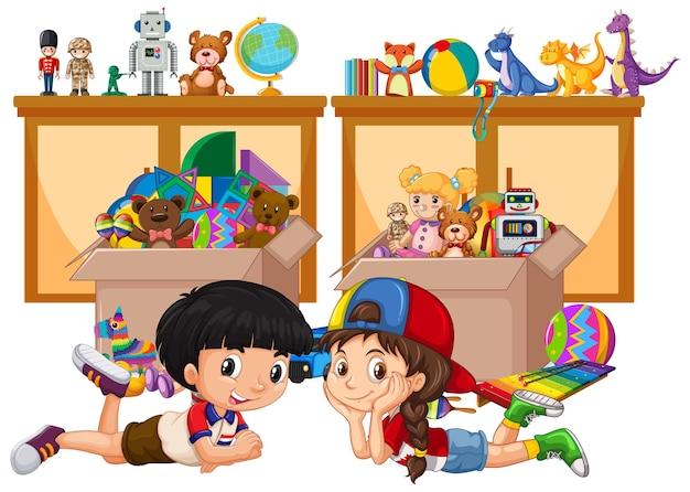 Scaffale e scatola piena di giocattoli su sfondo bianco