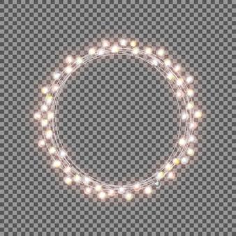 透明な背景に電球で輝くガーランド。クリス