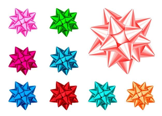 白い背景で隔離の光沢のあるギフトの弓。青、赤、緑、ピンク、オレンジのクリスマス、新年の装飾。バナー、グリーティングカード、ポスターの休日のデザイン要素のベクトルを設定します。