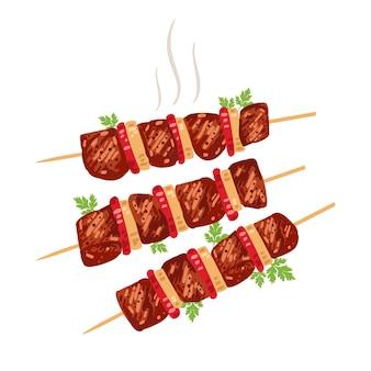 양파와 토마토를 곁들인 꼬치에 시시 케밥.