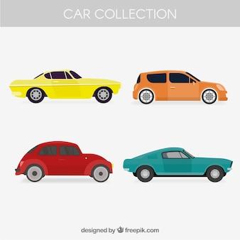 Vista laterale di quattro automobili differenti