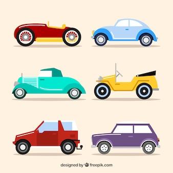 Vista laterale delle automobili piane d'epoca