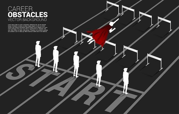 장애물이 있는 남자들을 가로질러 날아가는 실루엣 사업가. 부스트의 개념과 비즈니스에서 앞으로 나아가십시오.
