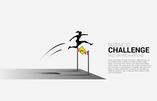 Деловая женщина силуэта прыгает через препятствие тупиковые препятствия. справочная концепция для препятствий и проблем в бизнесе