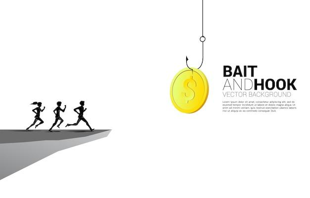망토로 달려가는 사업가와 사업가의 실루엣은 낚시 바늘로 돈 동전을 따릅니다. 비즈니스에서 미끼와 후크의 개념입니다.