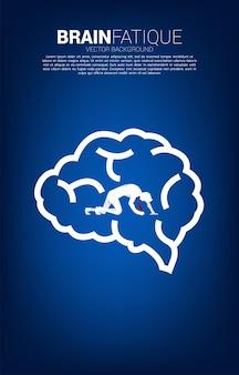 뇌 아이콘에 무릎에 사업가의 실루엣입니다. 피곤한 사람들과 두뇌 피로에 대한 개념입니다.