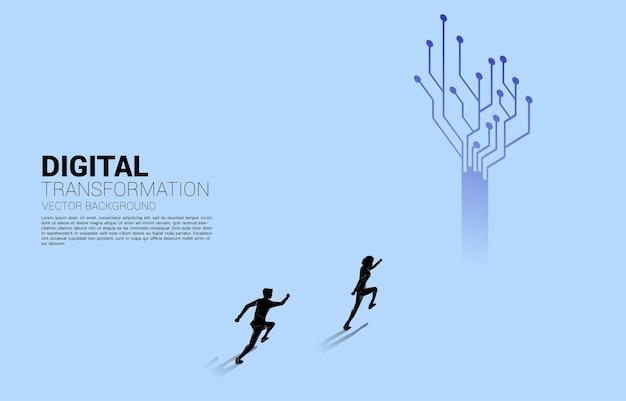 도트 연결 라인 회로로 달려가는 사업가의 실루엣. 비즈니스의 디지털 변환의 개념입니다.