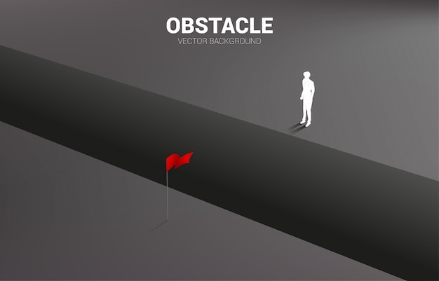 목표를 찾고 심 연에 서 사업가의 실루엣. 비즈니스 도전과 장애물의 개념