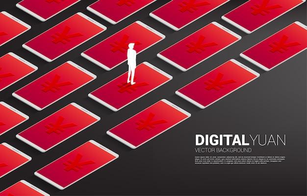 携帯電話の行とお金元通貨アイコンで立っているビジネスマンのシルエット。デジタル元の金融と銀行のコンセプト。