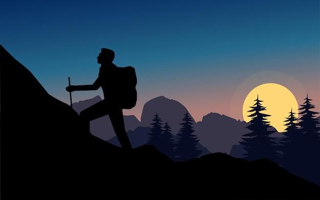 Силуэт путешественника в походе на закате