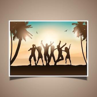 Силуэты людей, танцы на тропическом фоне