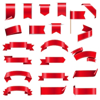 Шелковые красные ленты и бирки на белом фоне с градиентной сеткой,