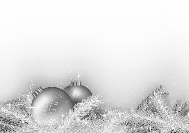Серебряный новогодний фон с шарами и сверкающими ветками деревьев