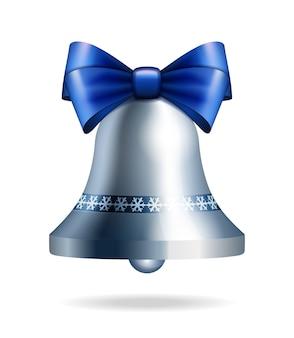 Серебряный колокольчик с голубой лук, изолированных на белом. на рождество, новый год, украшения, зимний праздник