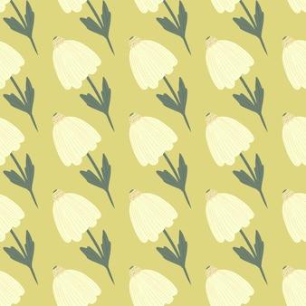シンプルな落書き白い花のシームレスなパターン。黄色の背景。様式化された植物プリント。壁紙、テキスタイル、包装紙、布印刷用に設計されています。 。