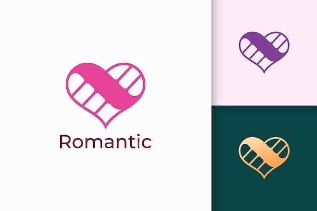 단순한 사랑 로고는 로맨스 또는 관계를 나타냅니다.
