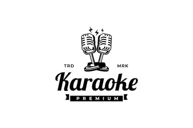歌手のボーカルカラオケまたはポッドキャストステーションのロゴとレトロなマイクロゴラベルのエンブレムのデザイン