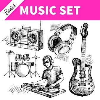音楽セットをスケッチします。 djアイコンの手描きのベクトルイラスト