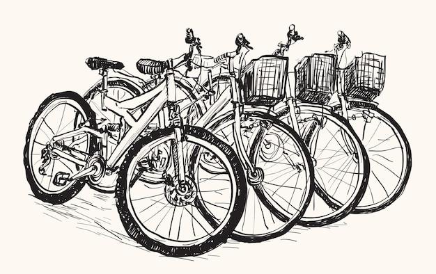 Эскизный ряд велосипедов для продажи или аренды, рисование от руки