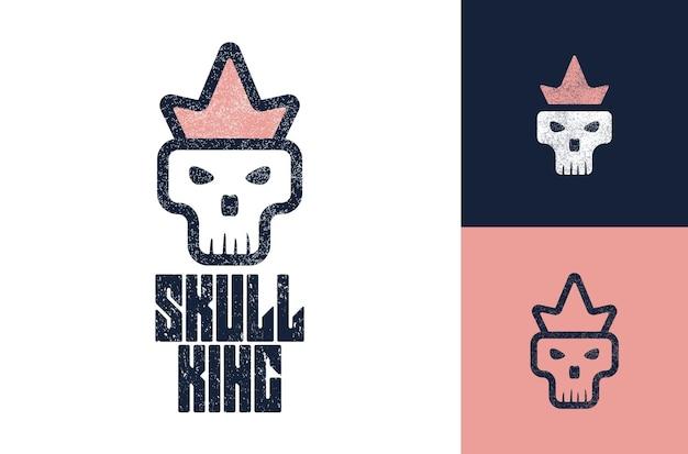 王冠のロゴのマスコットのロゴを身に着けている頭蓋骨