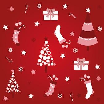 Маленькие носки и новогодние елки на красном фоне