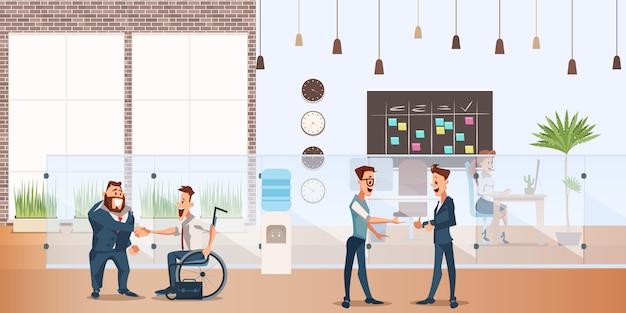 Улыбающийся бизнесмен пожимает руку в креативном офисе