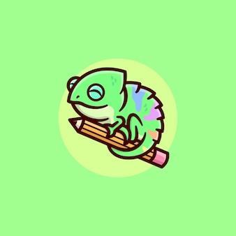 大きな鉛筆の漫画のロゴのデザインを保持している笑顔の緑のカメレオン